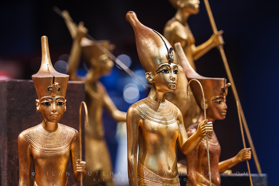 Statuettes of Tutankhamun – a detailed view 1