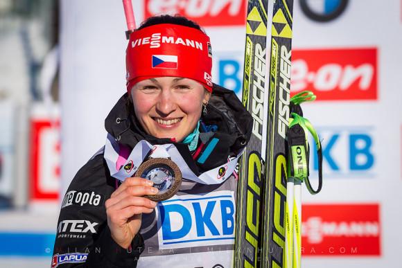 Veronika Vitkova With Her Bronze