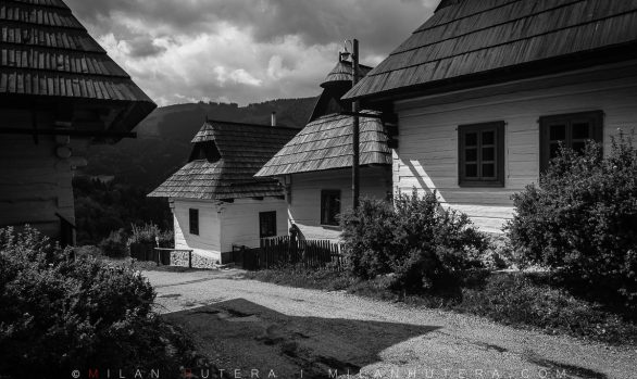 Vlkolinec in Black and White