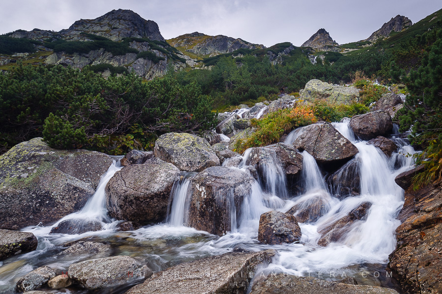 Thanks to ample rainfall in High Tatras, one of the streams in Mengusovska dolina (Mengusovska valley) turned into a nice flowing waterfall.